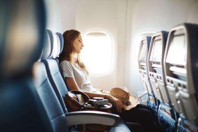 16839-inilah-6-posisi-duduk-paling-enak-di-kabin-pesawat-nomor-4-bikin-kenyang